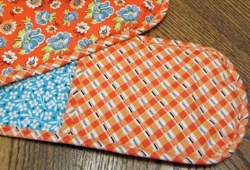 How to Make Double Oven Mitts • WeAllSew • BERNINA USA's blog, WeAllSew, offers…