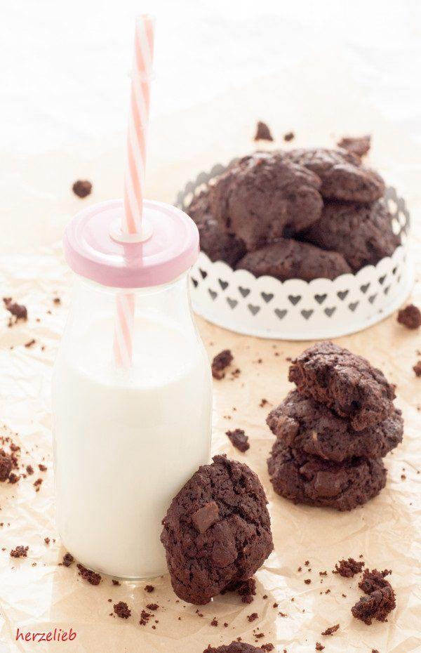 Rezept für leckere Zucchini-Kekse mit einer doppelten Portion schokolade. Innen…