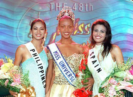 http://pageant-mania.ephpbb.com/t1478-miss-universe-1999-mpule-kwelagobe-botswana