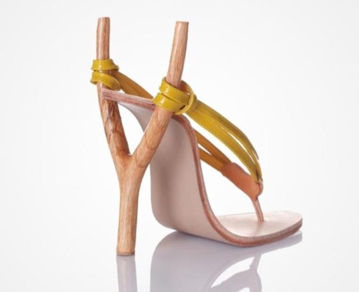 Biraz farklı topuklu ayakkabılarınız olsun ister miydiniz? (Resimdeki ürün henüz satışta değildir) En ilginç aksesuarlar burada: http://www.buldumbuldum.com/aksesuar/