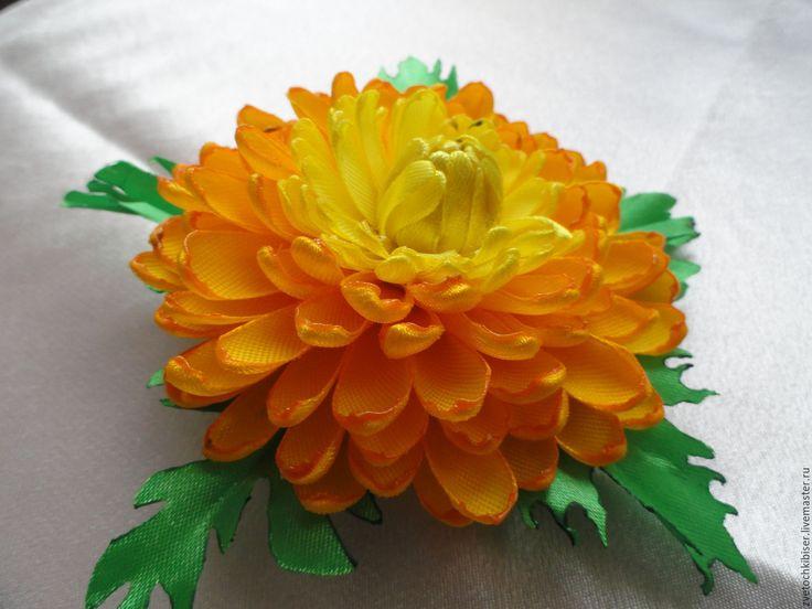 Купить Заколка, хризантема - желтый, фиолетовый, сиреневый, атласные ленты, атлас, заколка для волос