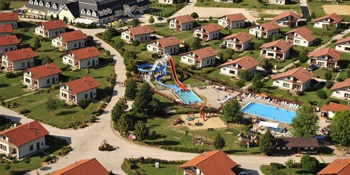 Luxe Aqua Plus vakantievilla met eigen sauna, jacuzzi en binnenzwembad, voor grote gezinnen met 8 personen. vakantiesvoorgrotegezinnen.nl