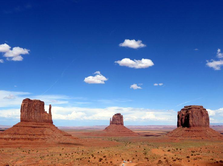アメリカ西部グランドサークルと、ヨセミテなどアメリカの大自然を堪能しました。<br />旅程<br />8月17日 中部→JL3084→成田→JL62→ロサンゼルス→JL7580→ラスベガス<br />    ラスベガス<br />8月18日 ザイオン国立公園、ブライスキャニオン国立公園、ホースシューベンド<br />8月19日 アンテロープキャニオン、モニュメントバレー<br />8月20日 セドナ、グランドキャニオン<br />8月21日 グランドキャニオン、ルート66、ラスベガスへ<br />8月22日 ラスベガス<br />8月23日 ラスベガス→JL7517→ロサンゼルス→ZK7200→マーセド<br />     マリポサ<br />8月24日 ヨセミテ国立公園<br />8月25日 ヨセミテ国立公園<br />     マーセド→ZK7200→ロサンゼルス<br />8月26日 ロサンゼルス<br />8月27日 ロサンゼルス<br />8月28日 ロサンゼルス→JL61→成田→JL3087→中部<br />