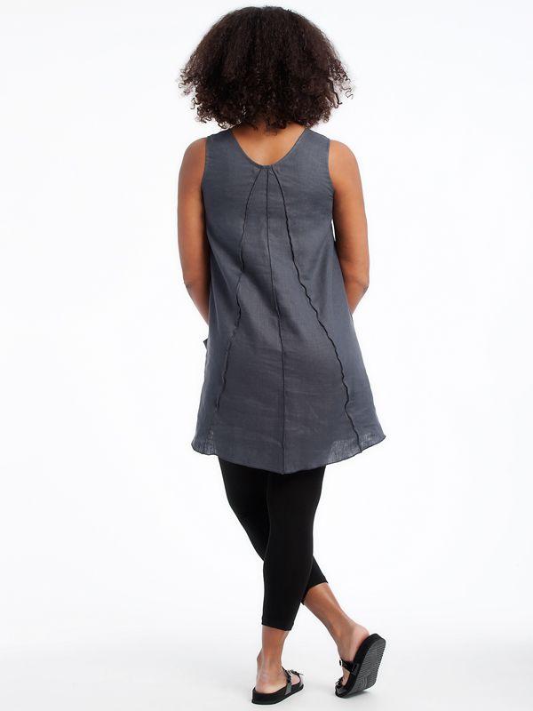 Linen Pie Tunic With organic cotton leggings www.lousjeandbean.ca  #lousjeandbean #linen #shoplocal #canadianmade Tessa Oort ~ Lousje & Bean