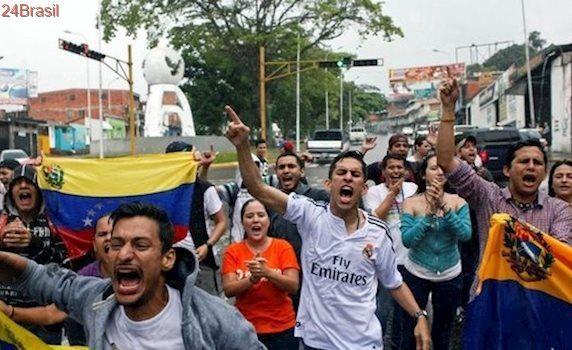 Ação do Judiciário na Venezuela pode agravar o embate entre governo e opositores, diz pesquisadora