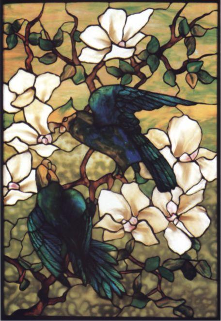 tiffany Amber çiçeği ve papağanlar