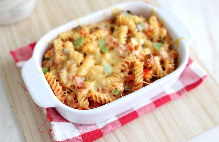 Italiaanse pasta-ovenschotel met pesto