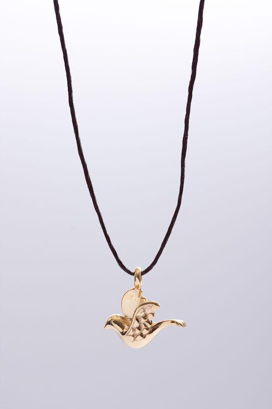 Dove. http://www.3windknots.com/en/jewelry/make-a-wish-jewels/simboli-103999