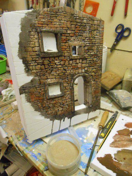 Mal einHaus bauen aus Kieselsteinen und Fliesenkleber auf Styropor