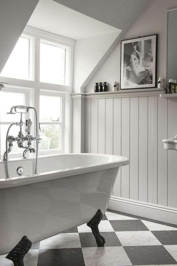 Oltre 25 fantastiche idee su boiserie bagno su pinterest for Vernice per vasca da bagno