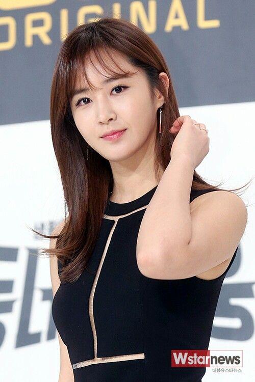 44 best Kwon Yuri images on Pinterest | Kwon yuri, Kpop girls and ...