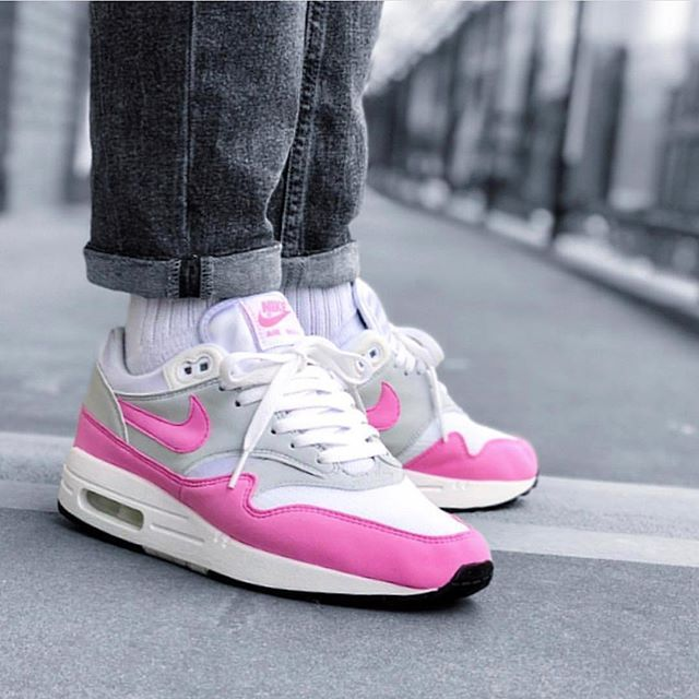 f5ed16e86 The NIKE WMNS AIR MAX 1 PSYCHIC PINK are now available... - Hit the ...
