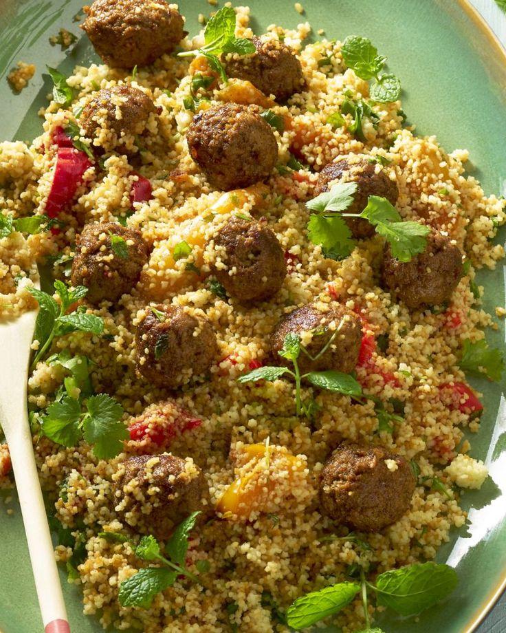 Couscous met geroosterde paprika en kruidige gehaktballetjes