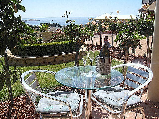 Your luxury holiday rental, SCENIC ENCOUNTER B, Bed & Breakfast, Victor Harbor, SA. #luxury #luxuryholidays #bedandbreakfast www.OzeHols.com.au/21