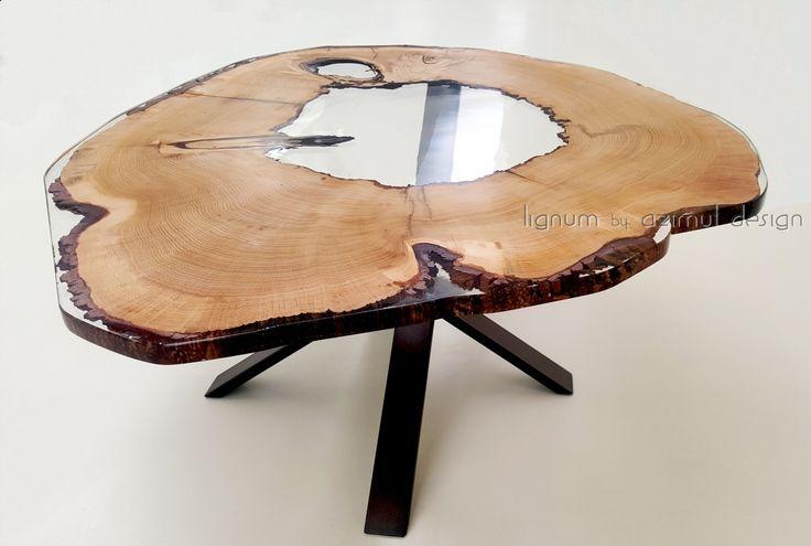 Tavolo con sezione di antico cedro del Libano con foro centrale naturale e resina epossidica, Lignum by azimut design. Azimut resine