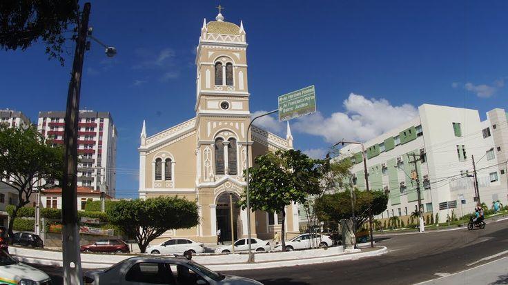 Igreja São José | Igreja São José | Localizada na praça Tobias Barreto | bairro São José | vista externa | Ao lado o Hospital e Clinica São Lucas na rua Guilhermino Resende