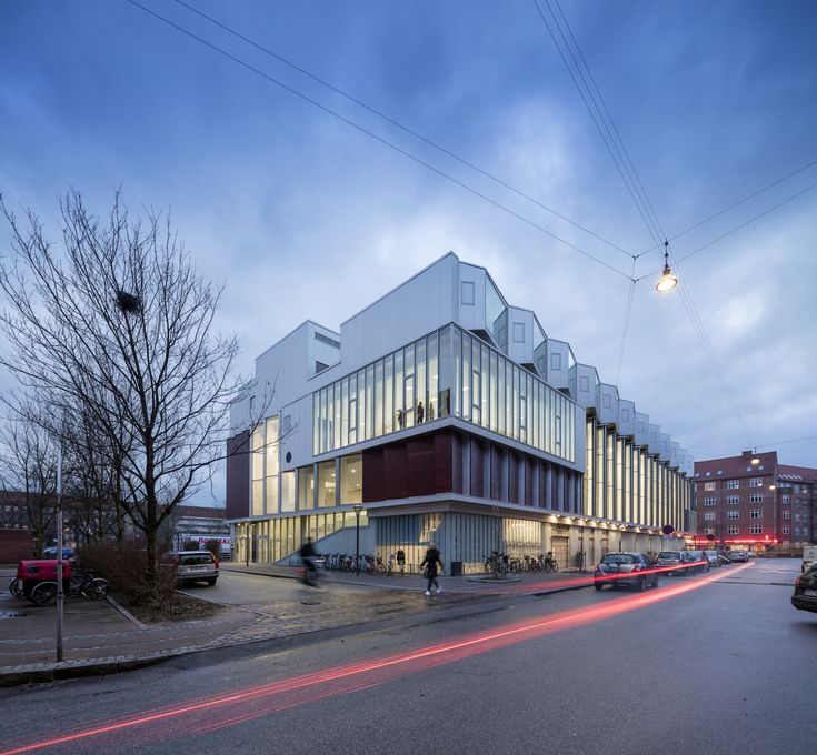 SH2-Sundbyoster Hall II  / Dorte Mandrup Arkitekter -Sundbyoster Hall II is mixed use architecture integrating grocery store, sports hall and housing units in one building located in the district of Amager in Copenhagen, Denmark.