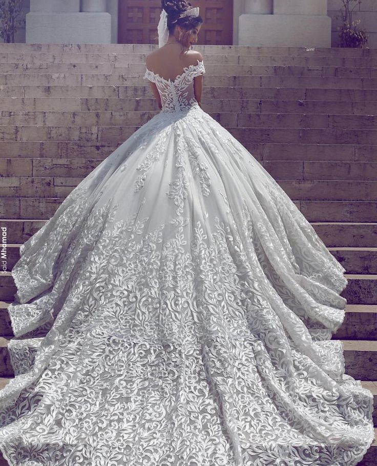 418 best wedding gown images on pinterest bridal dresses princess beautifull gown with broad long trail junglespirit Gallery