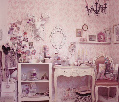 56 best images about girly vintage bedroom ideas on for Cute girly bedroom ideas