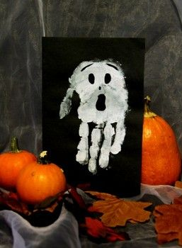 Halloween Art Project for Kids. Use handprints to create little posters. (Ex. A upside down print for a ghost!) #Halloween