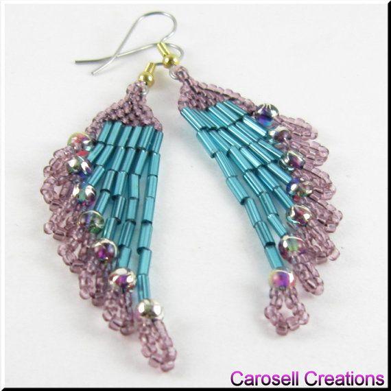 He encontrado este interesante anuncio de Etsy en https://www.etsy.com/es/listing/125320936/beadwork-chandelier-seed-bead-earrings