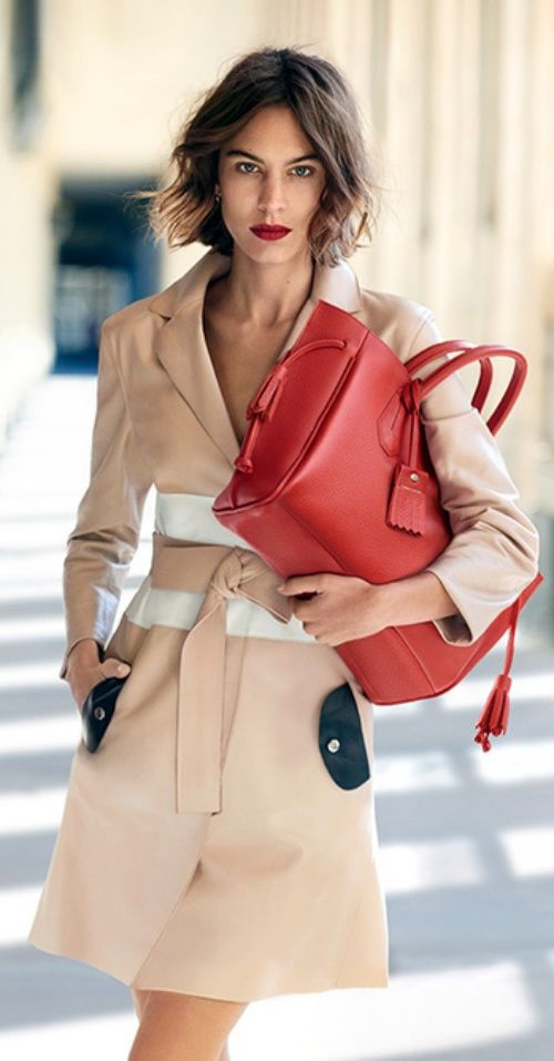 Alexa Chung Reunites with Longchamp for Spring 2016