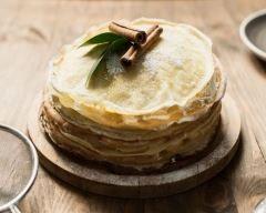 Gâteau de crêpes ananas et chantilly : http://www.cuisineaz.com/recettes/gateau-de-crepes-ananas-et-chantilly-34018.aspx
