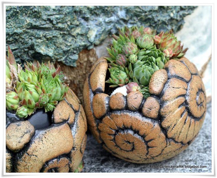 78 best bilder zu t pfern auf pinterest keramiken for Gartenbeet deko