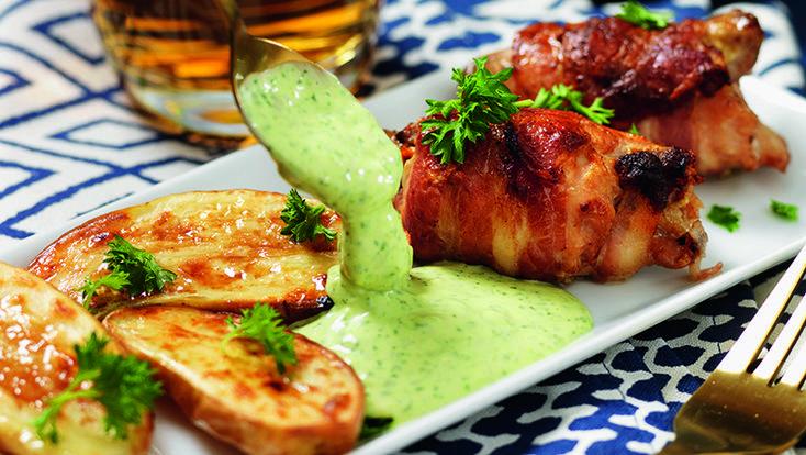 Kycklingfilé med bacon och caesarsås recept en person