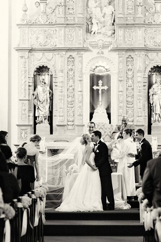 black and white first kiss photo, so beautiful and timeless!  First Kiss Photos // Aisle Perfect