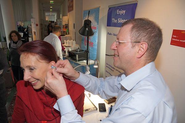 Hier werden Ohren vermessen ...