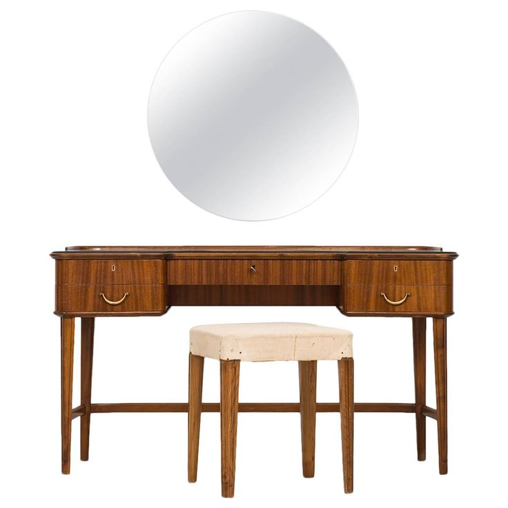 17 best images about vanities on pinterest dressing for Vanity with mirror and stool
