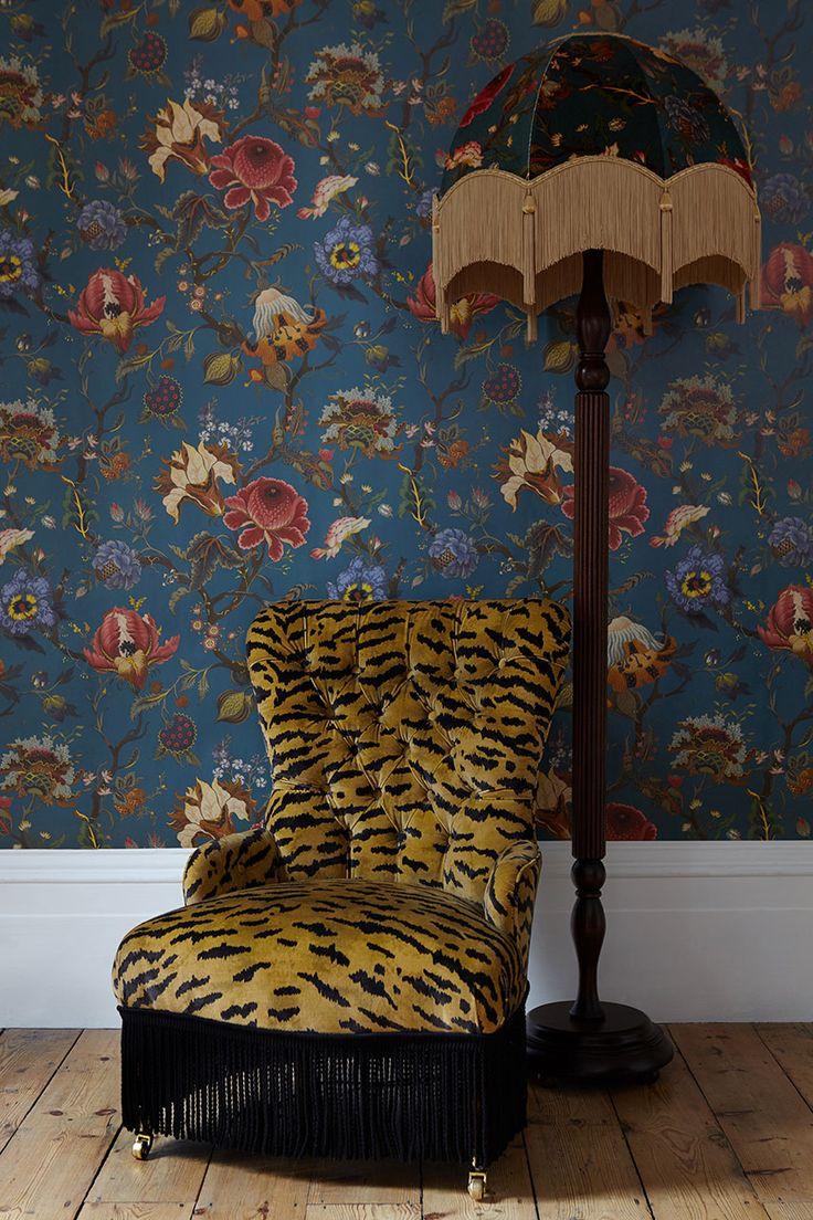 Sesselbezug und Tapete von House of Hackney www.meinewand.de #englisch #floral #britisch