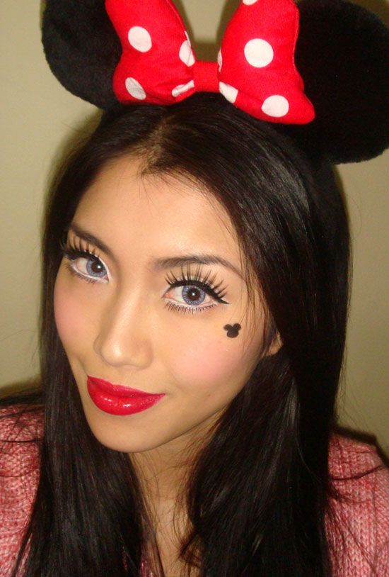 minus the strange look on her face, this is really sweet & cute! step-by-step tutorial. Minnie Mouse Makeup Look