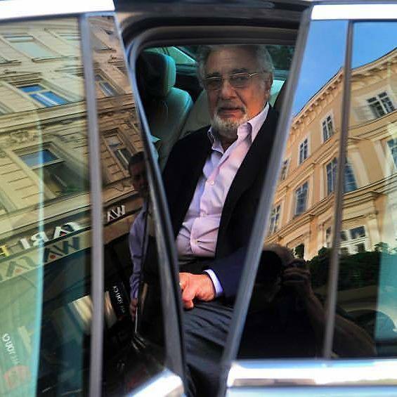 @teknosm fényképe a Magyarországon tartózkodó, kiváló Placido Domingo-ról, aki hamarosan ingyenes koncertet ad a Papp László Sportarénában. #placidodomingo #plácidodomingo #magyarország #opera