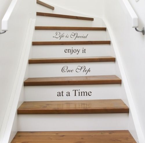 I'm gonna do this with my steps in my dream home! ;)