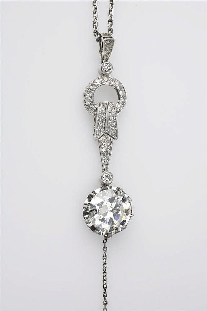 Buy online, view images and see past prices for A platinum diamond solitaire collier negligé. Invaluable is the world's largest marketplace for art, antiques, and collectibles.