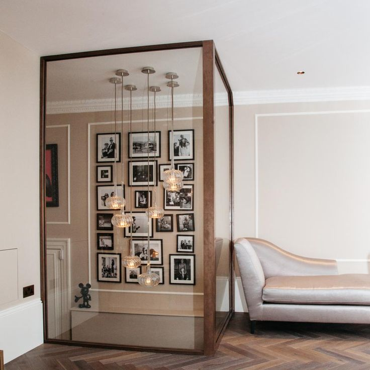What's new and next for art-filled accent walls? Check out these 10 designer spaces and tips.