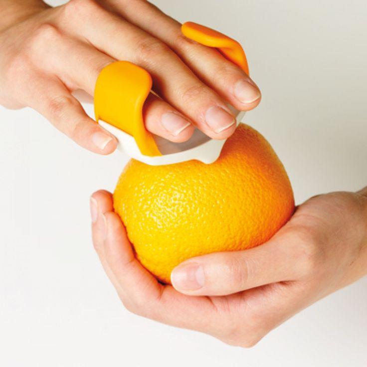 פומפיית אצבע לקליפת הדרים Chef'n - גאדג'טים למטבח - Chef'n
