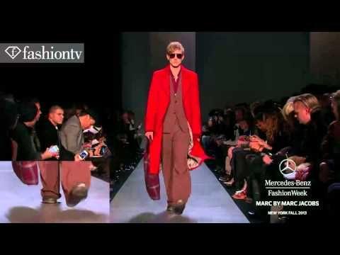 Campania de advertising a Colecției Toamnă/Iarnă '13-'14 Marc by Marc Jacobs : o campanie plină de șarm prin detaliile și elementele retro ce o compun și oferă un aer foarte sic celebrelor perechi de ochelari Marc Jacobs !