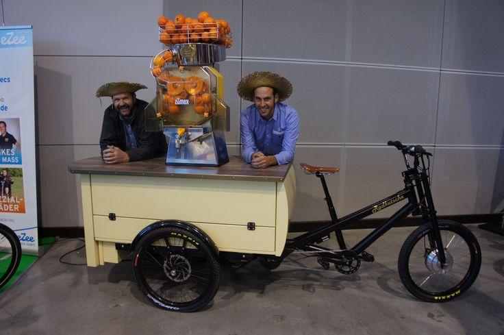 DIE Attraktion auf jeder Messe! -Orangensaftrad-  #Gastrorad #Lastenrad | von www.Radkutsche.de