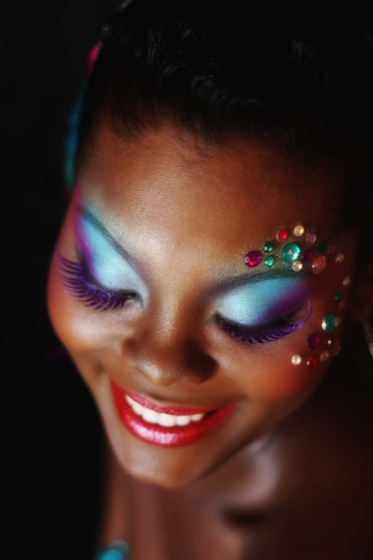 Learn How to Makeup for Carnival