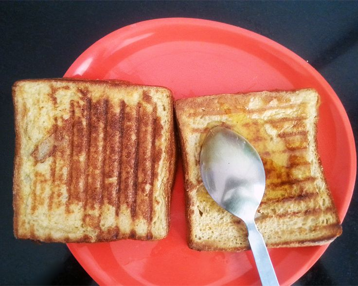 French toast recipe using sandwich maker - no stove? No problem. Delicious French toast can easily be made in a sandwich maker.