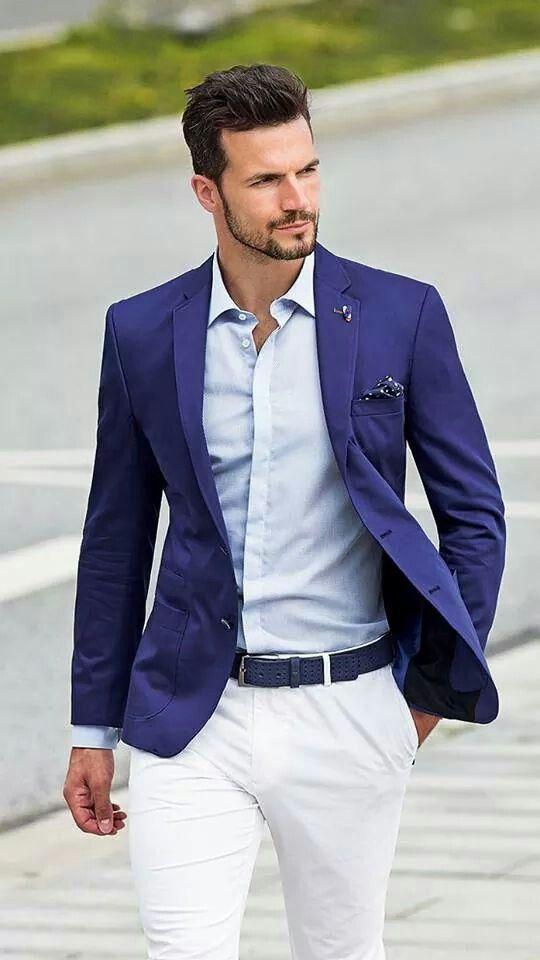 ¿Imaginabas que podias utilizar la americana de tu traje de novio azul para una comida o cena veraniega con un estilo mucho mas casual? Mas ideas originales para nuestros amigos y clientes en http://www.giancarlonovias.es/llegar.html