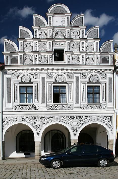 Telc sgraffito house (click here to open a new window with this photo in computer wallpaper format)