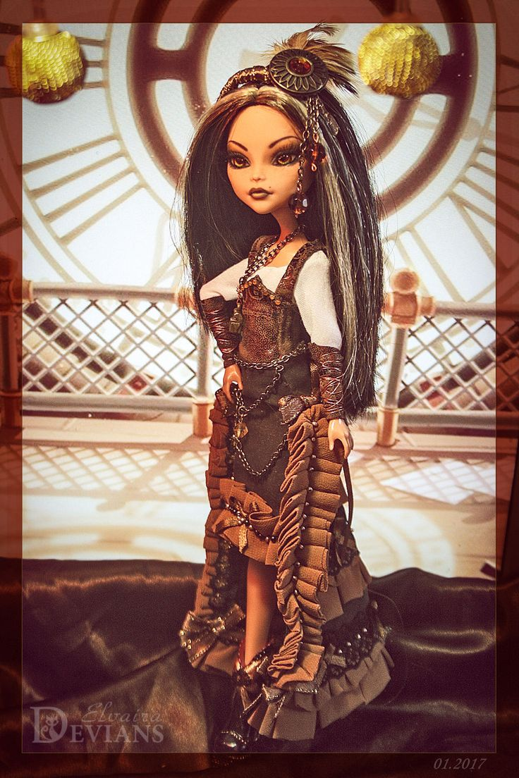 Repainted by Elvaira Devians. Complete with a doll: shirt, corset, skirt, shoes, ring, accessories and stand. The doll is on sale in clothes, which on a photo. It's NOT A CHILD TOY! It's collectible art doll^_^.