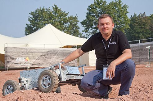 The first edition of European Rover Challenge has just finished! Link to Poland was there and we did a few interesting interviews with contestants and organisers. Today we present:  Łukasz Wilczyński – the ERC organiser, manager of Planet PR Agency and Mars Society Polska spokesman. He tells us about the aim behind creating ERC, his plans and making dreams come true