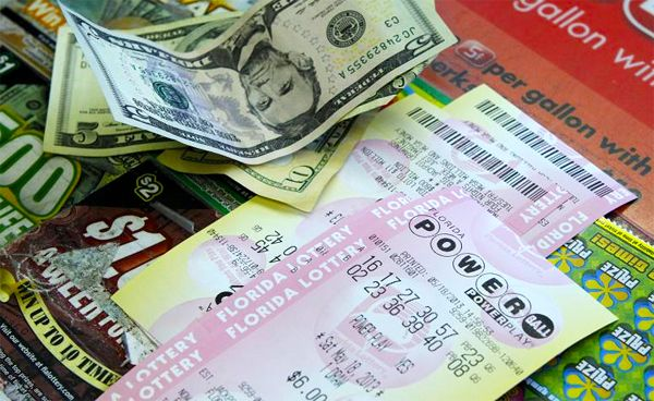 Powerball jackpot keeps on rising, $320.000.000 now up for grabs
