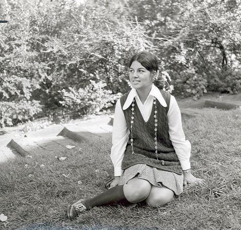 vintage everyday: Girl 1970 Yearbook Portraits