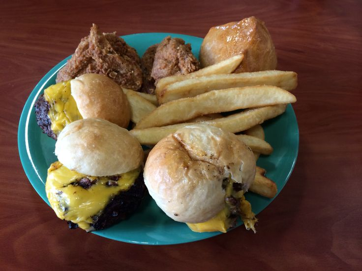 Golden Corral mini sliders, fried chicken, fries and buttered roll 021514